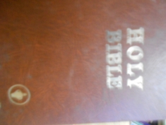 The Holy Bible containing the Old and New Testaments King James Version. The Gideons International